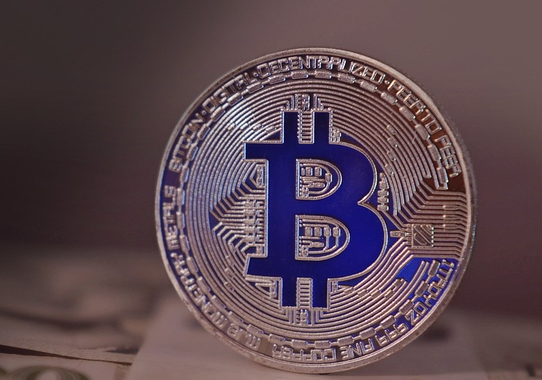 Facebook is banning all ads promoting cryptocurrencies